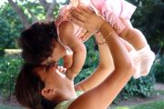 Matki mają największy wpływ na otyłość swoich dzieci... i o świadomości wpływu otyłości na zdrowie