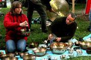 Misy dźwiękowe i gongi - muzyka relaksująca ciało i umysł. Wywiad.