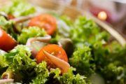 Jednorazowa dieta czy trwała zmiana stylu odżywiania? O niebezpieczeństwach szybkiego odchudzania rozmawiamy z dietetykiem, Anną Grzechowiak.